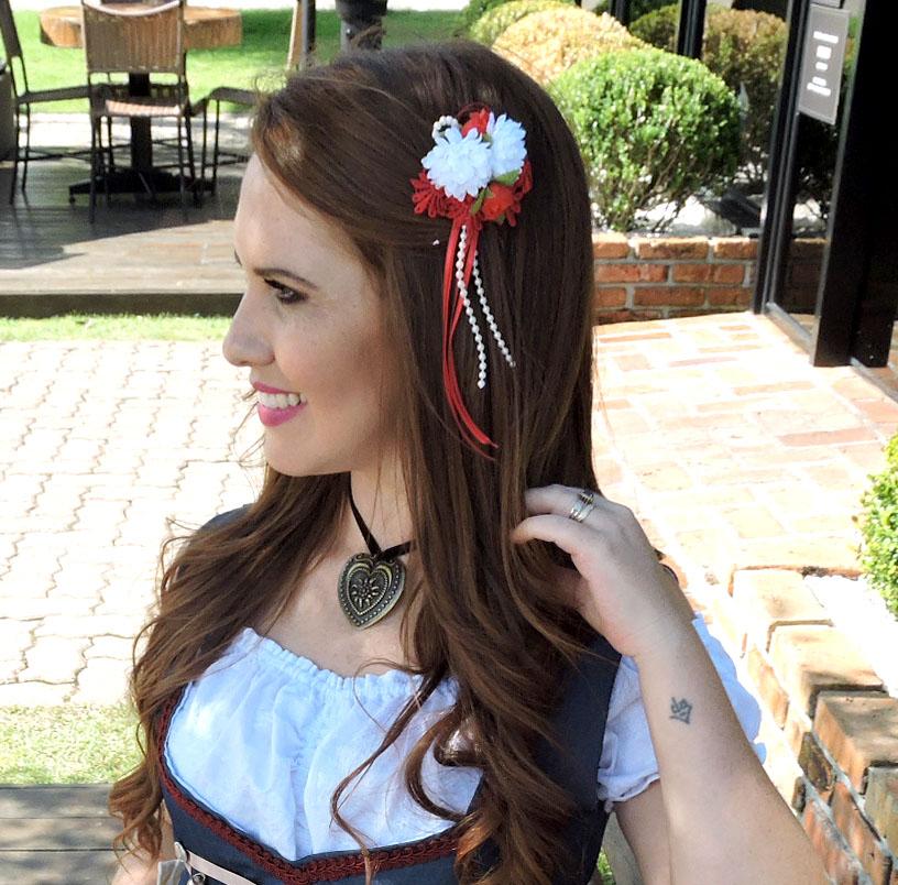 Presilha de flores para traje típico alemão